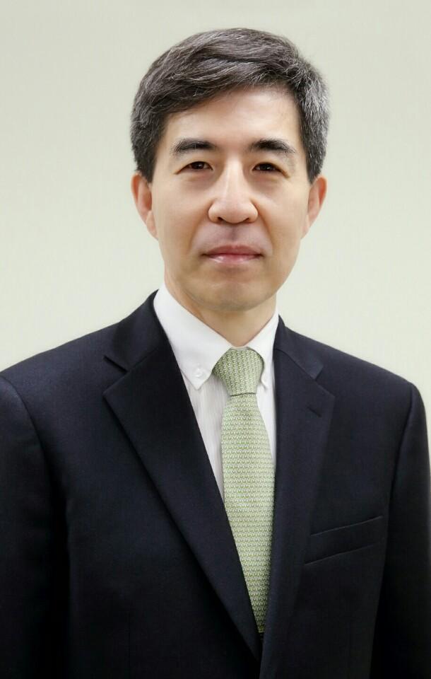 진윤태 교수