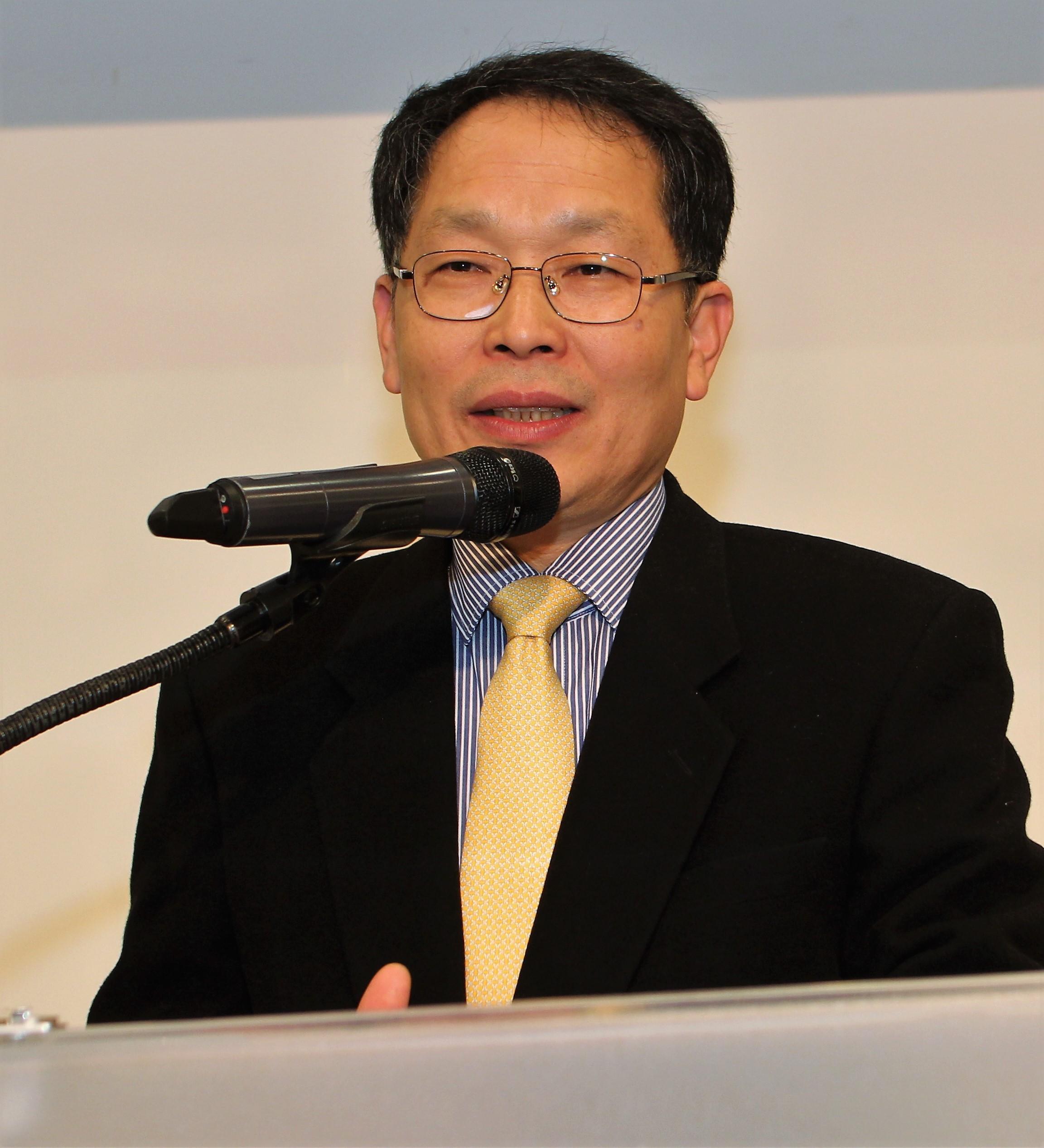 심사위원장 유봉규 교수