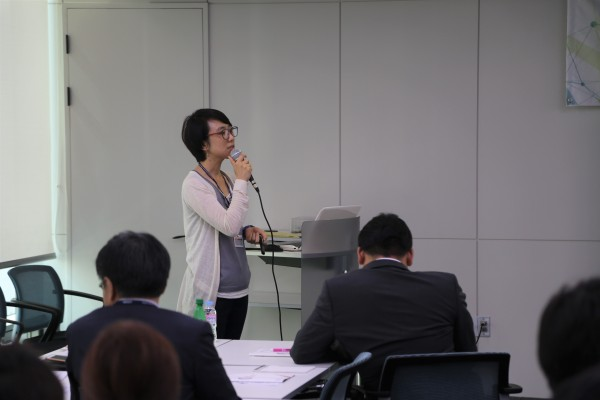 한국거래소 상장유치실 주현주 과장이 강의하고 있다.