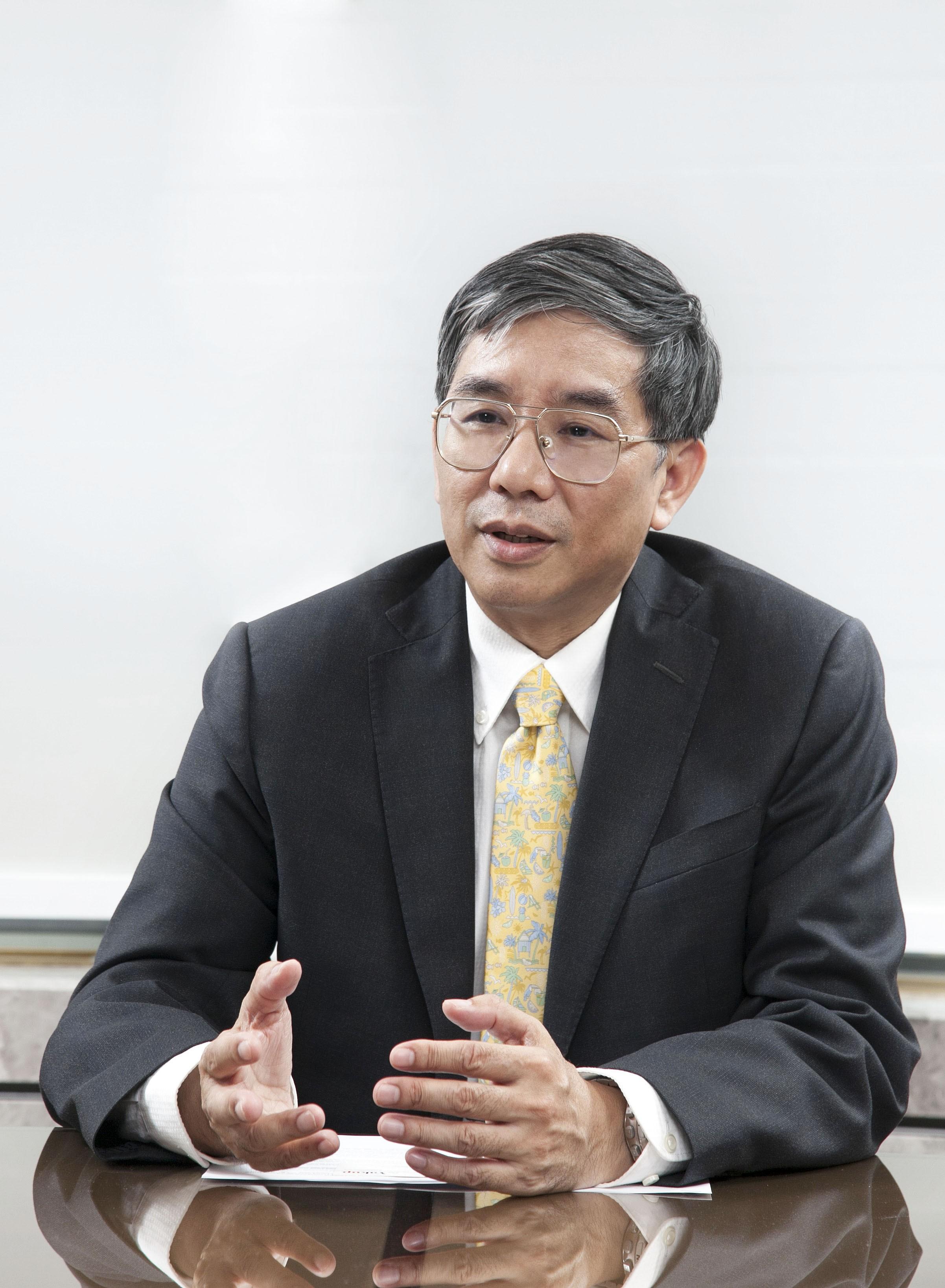 제임스 진신 양(James Chih-Hsin Yang) 교수