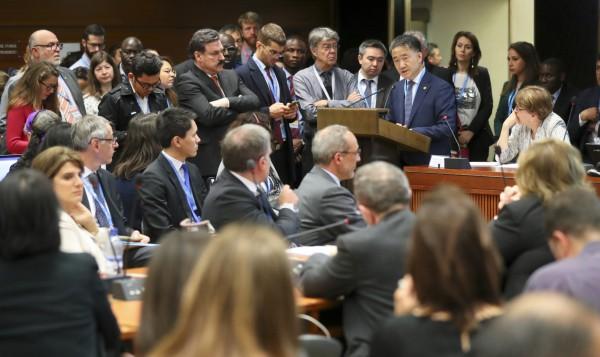 박능후 복지부 장관이 제72회 WHO 총회 의약품 접근성 부대행사에서 발언하고 있다