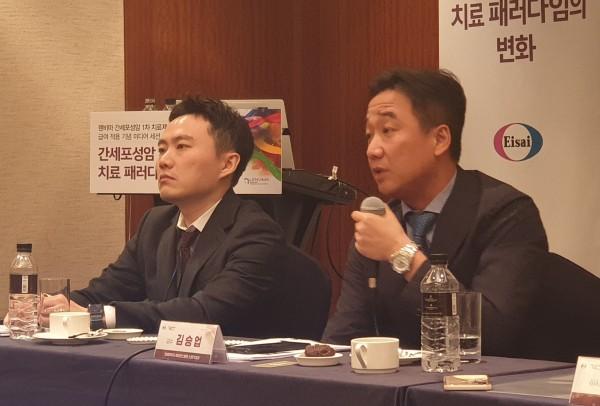 (왼쪽부터)서울아산병원 종양내과 유창훈 교수, 세브란스병원 소화기내과 김승업 교수