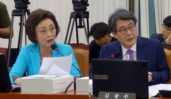 장정숙 의원(왼쪽)과 김광수 의원