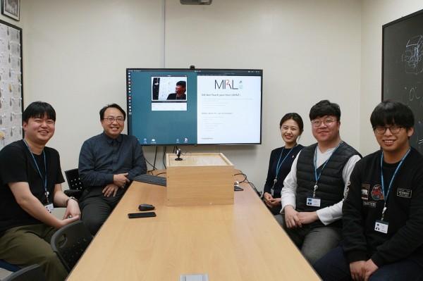서울아산병원 융합의학과 김남국 교수(왼쪽 두 번째)와 의료영상지능실현연구실 연구진
