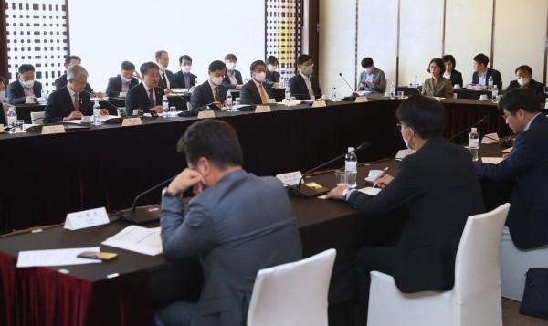 코로나19 치료제·백신 개발 범정부지원단 2차 회의(5.8)