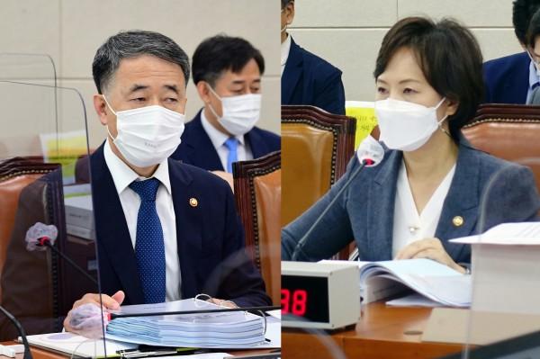 국회 전문기자협의회 사진 제공(왼쪽부터 박능후 장관, 이의경 처장)