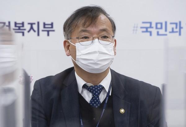 강도태 복지부 제2차관이 3일 개최된 첨단재생의료 실시기관 설명회에서 발언하고 있다.