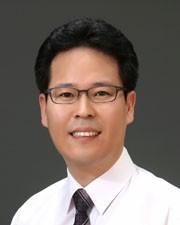 정윤택 보건산업진흥원 제약산업팀장